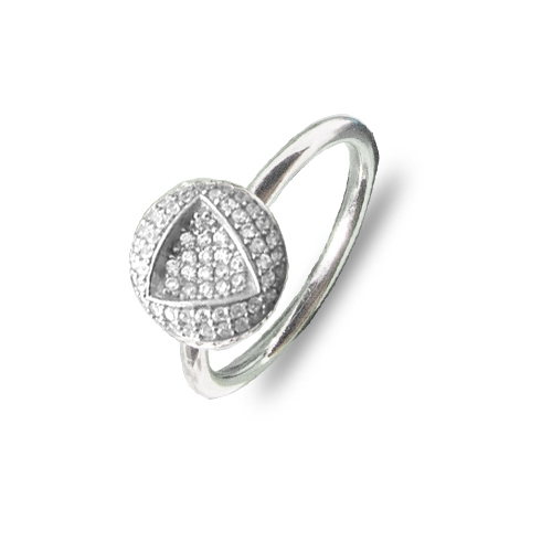 Zanimljiv srebrni prsten s cirkonima u obliku trokuta