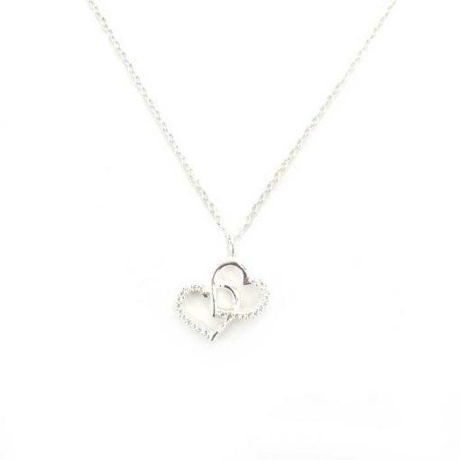 srebrni lanćić s privjeskom u obliku dva srca