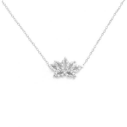srebrni lančić s privjeskom u obliku lotosa